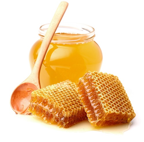 مشروع تطوير سلالات نحل العسل في الدولة ينتج ملكات نحل إماراتية